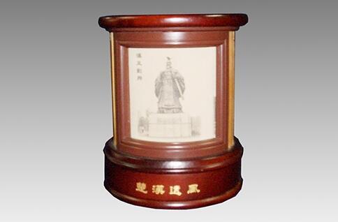 楚汉遗风笔筒[图]